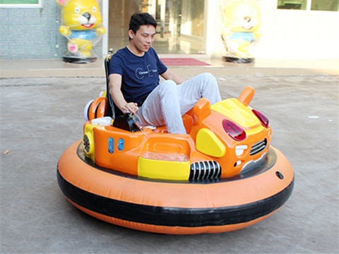 Grand Inflatable bumper cars